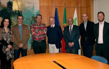 """FCT NOVA assina parceria com o conceituado """"Nature Publishing Group"""""""