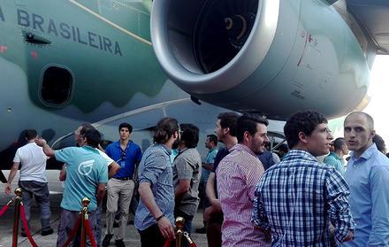 FCT NOVA presente na sessão de lançamento do novo avião KC 390