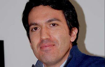 """Professor Rodrigo Gonçalves, FCT NOVA, recebe menção honrosa da """"2016 SSRC McGui"""