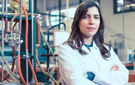 """Antiga aluna da FCT NOVA vence Prémio """"Women in Science"""""""