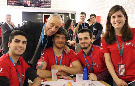 Equipa FCT NOVA com Marcelo Rebelo de Sousa