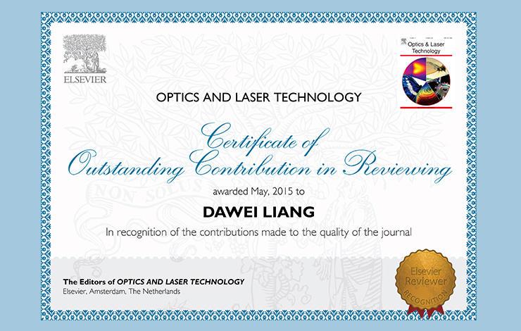Professor Dawei Liang do Departamento de Física homenageado pela OPTICS AND LASE