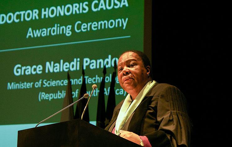 Grace Pandor, Ministra da Ciência e Tecnologia da República da África do Sul, re