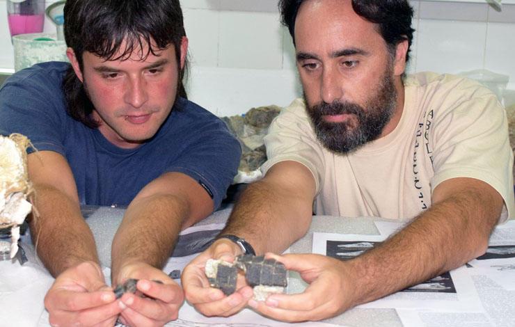 Paleontologists Eduardo Puértolas Pascual and Octávio Mateus